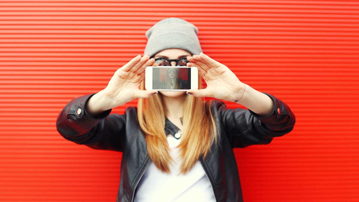 韓国アイドルみたいに可愛く写真を撮る方法